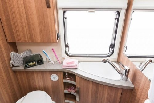 Badezimmer CaraOne Wohnwagen zur Miete ab Gotha