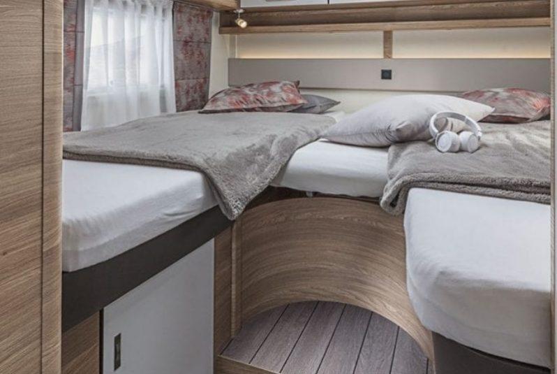 Wohnmobil Knaus Live Wave Betten