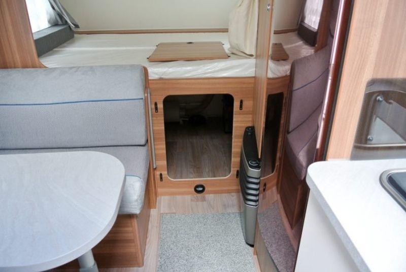 Wohnwagen innenansicht Betten